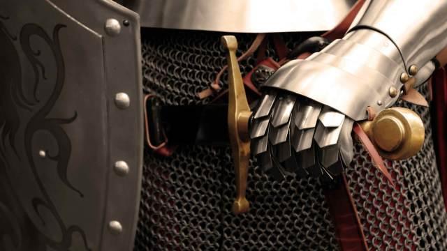 Blankwaffen und Schild mit Ritter