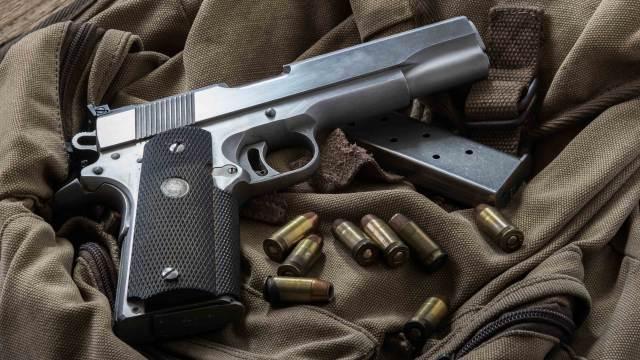 Deko Selbstladepistole Moderne Pistole