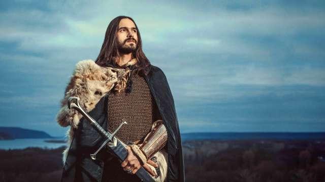 Schwerter Dekoschwerter in der Hand eines Ritters