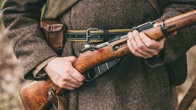 Deko Gewehr mit Soldat